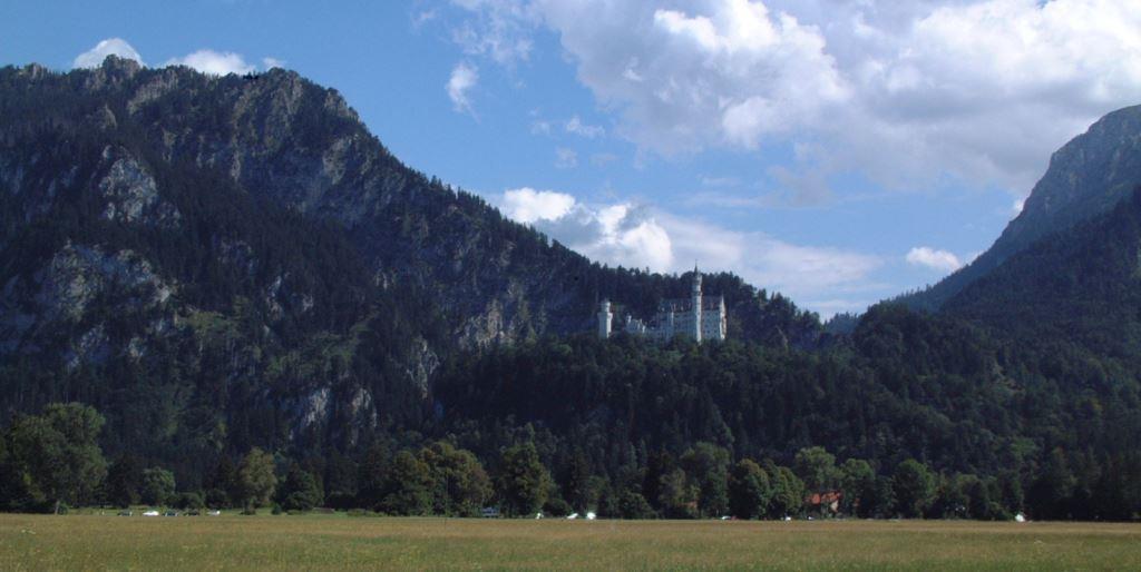 シンデレラ城のモデルと言われるノイシュヴァンシュタイン城